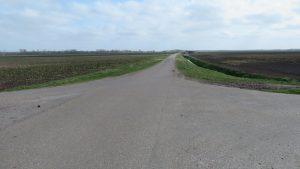 De Veenweg gezien vanaf de kruising met de Zandwerf richting de Eideweg / Noordbroek